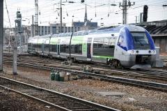 Ensemble architectural - B 82663/664 au départ d'Amiens