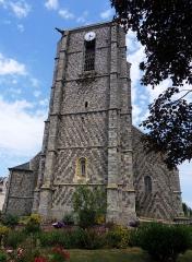 Eglise Saint-Pierre -  Ault (Somme, France).   L'église St-Pierre.