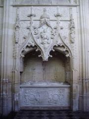 Eglise Saint-Jacques-le-Majeur et Saint-Jean-Baptiste - Français:   Folleville (Somme), église Saint-Jacques-le-Majeur et Saint-Jean-Baptiste, tombeau A 1