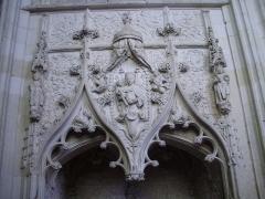 Eglise Saint-Jacques-le-Majeur et Saint-Jean-Baptiste - Français:   Folleville (Somme), église Saint-Jacques-le-Majeur et Saint-Jean-Baptiste, tombeau A2