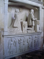 Eglise Saint-Jacques-le-Majeur et Saint-Jean-Baptiste - Folleville (Somme), église Saint-Jacques-le-Majeur et Saint-Jean-Baptiste, tombeau B1