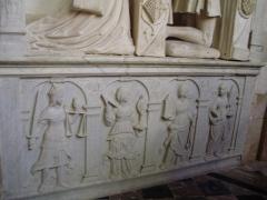 Eglise Saint-Jacques-le-Majeur et Saint-Jean-Baptiste - Folleville (Somme), église Saint-Jacques-le-Majeur et Saint-Jean-Baptiste, tombeau B 2