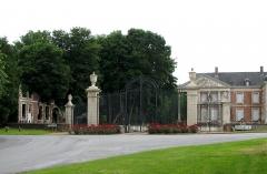 Château -  Hénencourt (Somme, France) -    Le château.