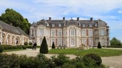 Château de Long -  80510 Long, France