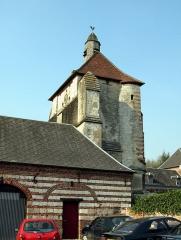 Beffroi -  Lucheux (Somme, France) -  Le beffroi, vu du Sud-Ouest.  .  .   .