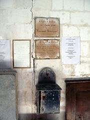 Eglise -  Lucheux (Somme, France) -  Le tronc et le panneau informatif ancien, à l'intérieur de l'église.  .  .   .