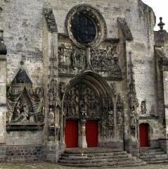 Eglise Saint-Pierre -  Mailly-Maillet (Somme, France) -   L'église Saint-Pierre.