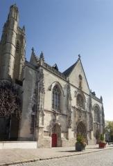 Eglise Saint-Jean - English: Eglise Saint-Jean-Baptiste. Péronne. Hauts-de-France, Somme. France. Church (Eglise Saint-Jean-Baptiste). Exterior. West façade. Gothic. . Cultural heritage; Cultural heritage|Monuments; Cultural heritage|Styles|Gothic; Europe|France|Hauts-de-France|Somme|Péronne. photo: Paul M.R. Maeyaert. pmrmaeyaert@gmail.com. www.pmrmaeyaert.eu; www.polmayer.com. © Paul M.R. Maeyaert; pmrmaeyaert@gmail.com. Ref: PM_113193_F_Peronne