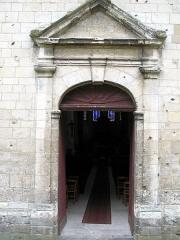Eglise dite collégiale Saint-Martin -  Picquigny (Somme, France) -   Le portail de l'église est ouvert ...  .