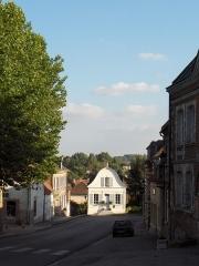 Maison dite de Napoléon Ier -  Beschreibung: Saint-Riquier (Frankreich, Dept. Somme), Rue du Général de Gaulle (ebenfalls D 925), Blick in Richtung Abbeville.  Datum: 5. August 2006 Fotograf: Friedrich Tellberg