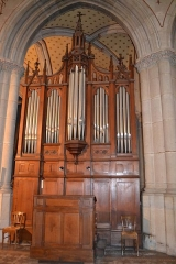 Place de la cathédrale Saint-Jean - English: Pipe organ of city of Belley cathedral, in Ain (département), France.