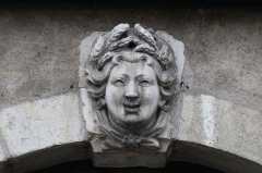 Hôtel particulier - English: Head representing a season on the facade of the House of Four Seasons at Bourg-en-Bresse.