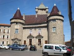 Château dit château de Montlaur -  Le Château d'Aubenas (Ardèche)