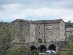 Château - Français:   Façade Nord (de  Bise) du château de Joyeuse.