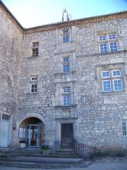 Château - Français:   Façade du château de Joyeuse (Ardèche). Style Renaissance (vers 1540)