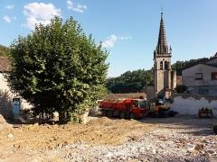 Eglise Notre-Dame-des-Pommiers - Français:   Chantier avant l\'église.
