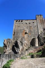 Château de Ventadour (restes) - Čeština: Pozůstatky hradu Château de Ventadour v jižní Francii