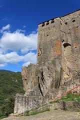 Château de Ventadour (restes) - Čeština: Zdi hradu Château de Ventadour, Francie