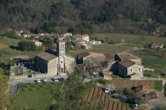 Eglise - Français:   L\'église romane de Ribes vu du hameau de Le Puech