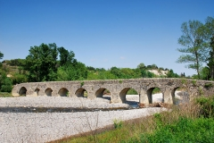 Pont romain franchissant l'Escoutay - Français:   le pont romain