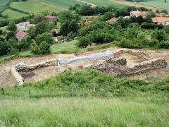 Site archéologique de la tour d'Albon, situé au hameau de La Tour -  fouilles archéologiques près de la tour d'Albon dans la Drôme