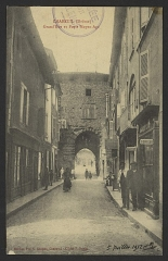 Porte de ville - English: CA 1900