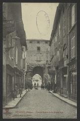 Porte de ville - English: CA 1905