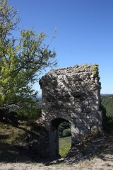 Tour - donjon - Deutsch: Donjon in Clansayes