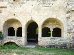 Abbaye cistercienne du Valcroissant - Deutsch: Kloster Valcroissant, Kapitelsaal von Westen