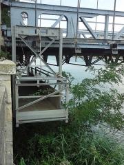 Pont dit du Robinet sur le Rhône -       This file was uploaded  with Commonist.
