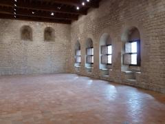 Château des Adhémar ou des Papes - Français:   Château des Adhémar, vue de la salle haute