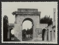 Porte Saint-Martin - English: 1265 - LEFT