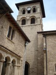 Eglise collégiale -  Collégiale de Saint Donat sur l'Herbasse dans la Drôme