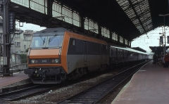 Gare -  Dual-voltage Sybic BB 26112 at Valence-Ville, 5 July 1993.