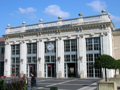 Gare -  Façade de la gare de Valence-Ville (Drôme).