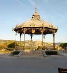 Kiosque Peynet - Français:   Kiosque Peynet à Valence.