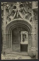 Maison des Têtes - English:   CA 1905