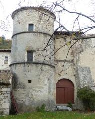 Château de Saint-Ferréol - Français:   Pont-de-Barret (Drôme, France), aux confins de la plaine des Andrans, sur la rive occidentale du Roubion, château de St Ferréol (fin XVIe, début XVIIe siècles).