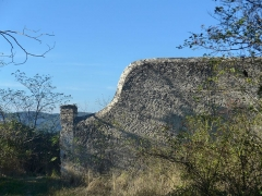 Domaine de Serre-de-Parc (également sur commune de Montélimar) -  Le domaine de Serre de parc se situe sur les communes de Savasse et de Montélimar dans la Drôme (France).