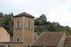 Tour de l'Horloge et tour carrée Saint-Hippolyte -  Ancienne église Saint-Jean et Tour Saint-Hippolyte à Crémieu.