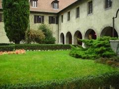 Monastère de Sainte-Marie-d'en-Haut -  cour intérieure musée Dauphinois Grenoble