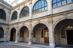 Palais de Justice - cour intérieure du parlement du Dauphiné - Grenoble