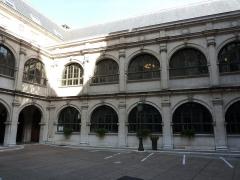 Palais de Justice - Deuxième cour intérieure. Ancien palais de justice, ancien palais du parlement du Dauphiné, Grenoble, France.