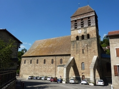 Eglise Saint-Theudère - Français:   Extérieur de l\'église Saint-Theudère de Saint-Chef, Isère, France