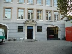 Ancien évêché -  façade musée de l'ancien évéché - Grenoble