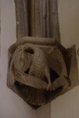 Eglise Saint-Philibert - Deutsch: Konsole in der Kirche Saint Philibert in Charlieu, Darstellung: Adler als Symbol für den Evangelisten Johannes