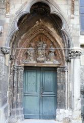 Eglise Notre-Dame - Français:   Montbrison - Collégiale Notre-Dame d\'Espérance - Porte latérale