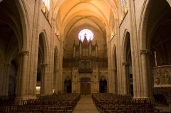 Eglise Notre-Dame - English:  The nave and the organ Callinet, build on 1839, is based on a platform of carved stone, the Renaissance style of that contrasting with the rest of the building.