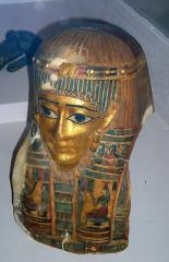 Musée Joseph Dechelette -  masque funéraire, cartonnage peint, époque ptolémaïque