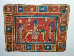 Musée Joseph Dechelette -  Osiris sur son lit funéraire, cartonnage de momie, époque ptolémaïque